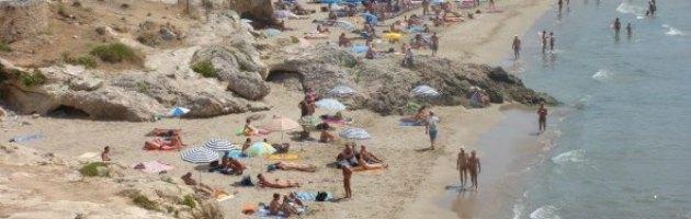 """Abruzzo, sì della Regione ai nudisti. """"Promozione intelligente del turismo"""""""