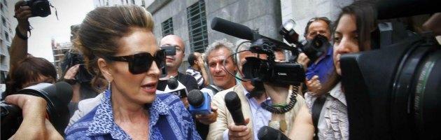 """Condanna Berlusconi, Pdl in piazza. La rete: """"Dirottamenti autobus di anziani"""""""
