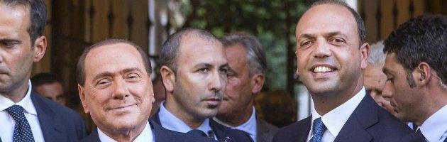 """Pdl, Berlusconi cerca di placare la rissa: """"Basta dichiarazioni, si discute nel partito"""""""
