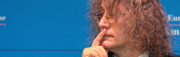 """M5S, Casaleggio risponde alle critiche con un libro: """"Insultatemi"""""""