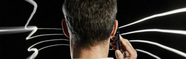"""Cellulari, il ricercatore Marinelli: """"Danni per la salute. Usarli per emergenza"""""""