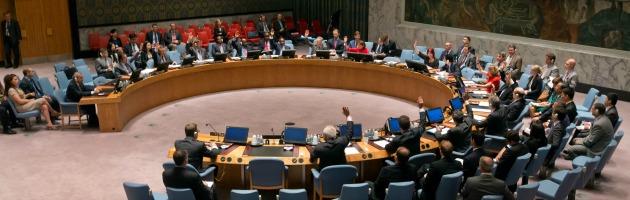 Siria, Consiglio di sicurezza Onu approva risoluzione su disarmo di armi chimiche