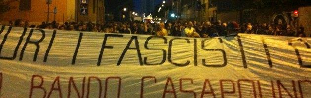 Presidio di Forza Nuova in Bolognina. Gli antifascisti li cacciano dalla piazza