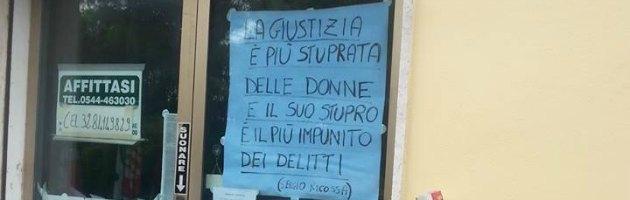 """Ravenna, cartello choc del Pdl: """"La giustizia è più stuprata delle donne"""""""