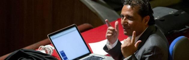 """Costa Concordia, Schettino dà la colpa al timoniere: """"L'errore decisivo fu suo"""""""