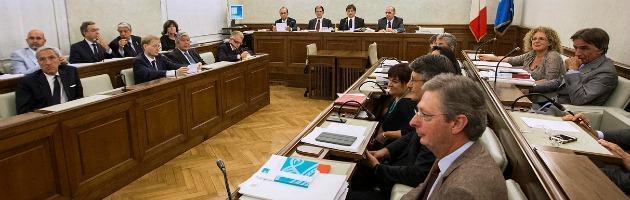 Decadenza Berlusconi, bocciata la relazione Augello: Pdl fuori per protesta