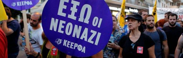 Grecia, agente interrogato per tre colpi di pistola nelle manifestazioni di Atene