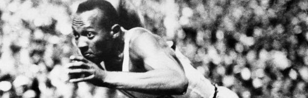 Cento anni fa nacque Jesse Owens, l'incubo nero di Adolf Hitler (e di Roosevelt)