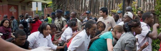 """Kenya, """"68 morti"""" nello shopping center. """"In corso operazione contro i terroristi"""""""