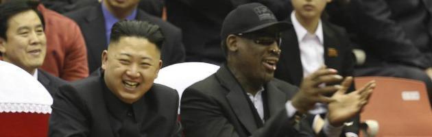 """Corea del Nord, l'ex cestista Nba Rodman a Kim: """"Libera detenuto Usa"""""""