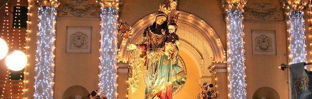 Processione con la Madonna