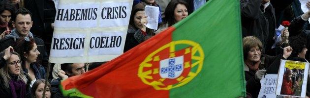 Portogallo, 'aumento ore di lavoro per dipendenti pubblici'. Sindacati protestano