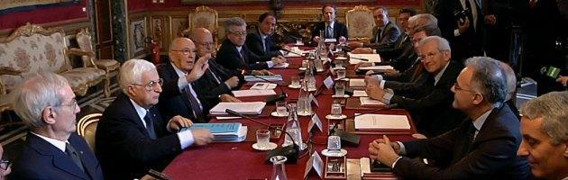 Riforme, week end da 20mila euro per i saggi di Napolitano. Paga Palazzo Chigi