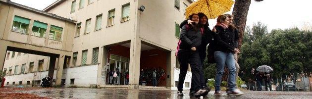 Stipendi docenti, l'Italia è nella fascia bassa Ue. Tra i peggiori per gli scatti di carriera