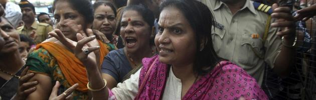 India, stuprarono e uccisero studentessa 23enne. Condannati i quattro imputati