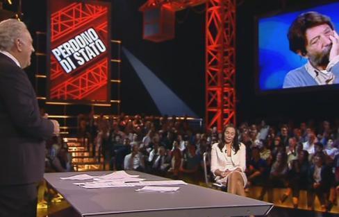 Servizio Pubblico, Massimo Cacciari e il suo disprezzo per gli scandali di B.