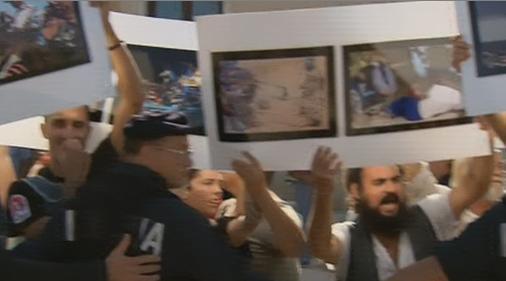 Servizio Pubblico, amnistia e la protesta degli abitanti di Lampedusa