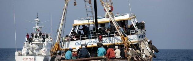 Immigrazione, intercettati due barconi. Arrivate 188 persone nel Ragusano