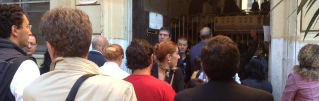 Roma, bimba sola nella classe ghetto: soluzione dalla Cina. Assessore: 'Irregolare'