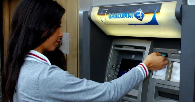 Abi, banche contro il Def: 'Per noi l'anno delle mazzate'. Renzi: 'Chiediamo sacrifici'