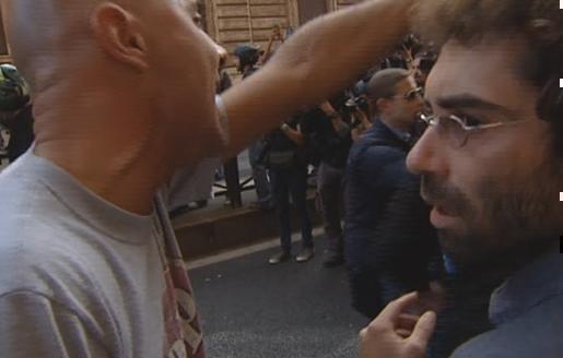 Servizio Pubblico, il corteo di protesta del 19 ottobre e l'aggressione di Casapound