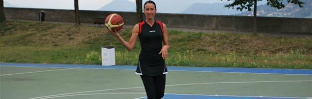 Basket, a Bergamo le prime divise 'per donne'. Le cestiste costrette ad adeguarsi