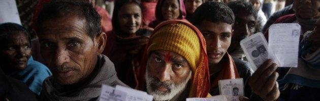 India, scheda bianca con voto elettronico. Decreto scudo per deputati indagati
