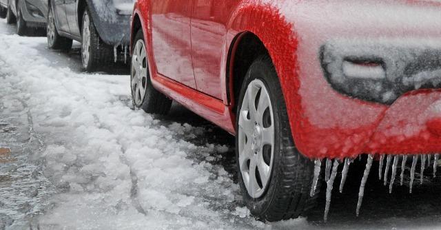 Gomme invernali e catene da neve: ecco come risparmiare (ma non sulla sicurezza)