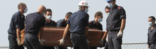 Tragedia Lampedusa - bare dei naufraghi