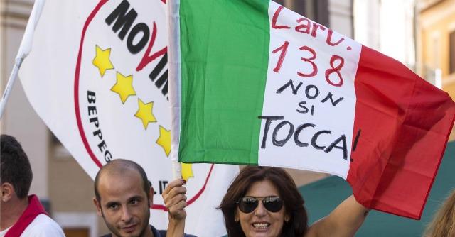 """M5S, Taverna: """"Il voto palese è una nostra vittoria. Ora non hanno più scuse"""""""