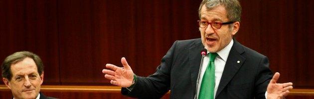 Lombardia, maggioranza spaccata: Pdl vota con Pd e M5S su fusione comuni