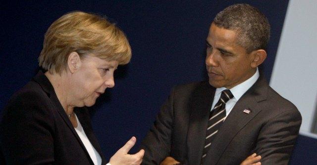 """Datagate, Spiegel: """"Il telefono di Merkel spiato dal 2002. Base Nsa anche a Roma"""""""