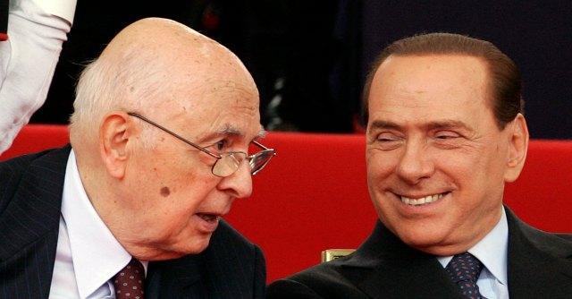 """Berlusconi, i falchi Pdl contro Napolitano: """"Promise la grazia per il caso Mediaset"""""""