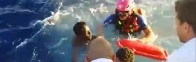 Canale di Sicilia, nuovo naufragio: 34 morti, 10 bimbi. Poi sos da due gommoni