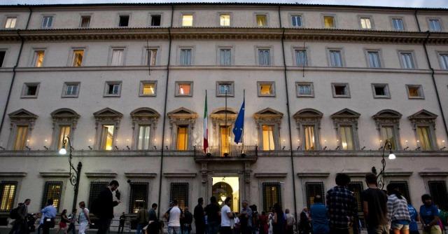 Palazzo Chigi, ai privati il controllo delle comunicazioni informatiche