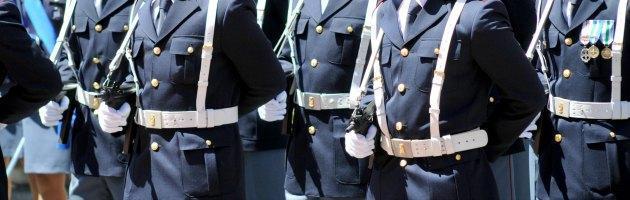 Roma, arrestati tre poliziotti per violenza sessuale su due donne