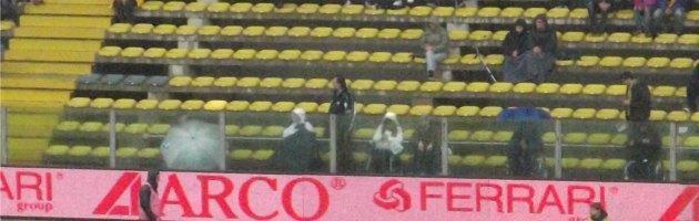 """Stadio di Parma, piove sui posti per i disabili: """"Tettoia promessa da 3 anni"""""""