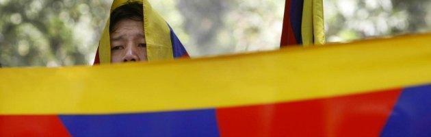 Tibet, le forze di sicurezza cinesi sparano contro manifestanti: feriti