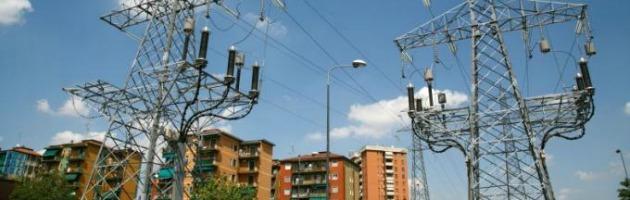 Milano, nel palazzo dei tumori. A venti metri il traliccio dell'elettrodotto