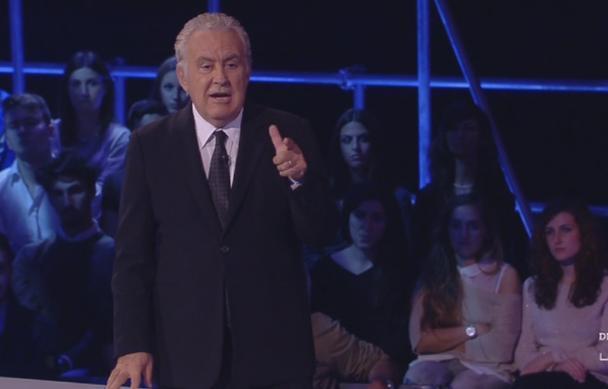 """Servizio Pubblico, Santoro: """"Siamo uno Stato 'ne me quitte pas'"""""""
