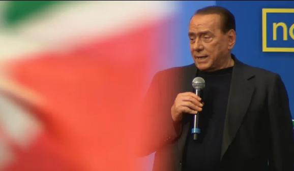 """Servizio Pubblico, Berlusconi ai giovani di FI: """"Questo è un colpo di stato"""""""