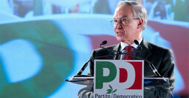 """Convenzione Pd, Epifani: """"Il 27 voteremo per la decadenza di Berlusconi"""""""