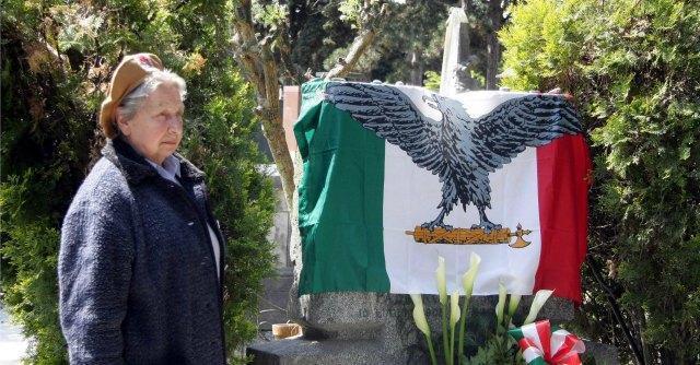 4 Novembre, manifesti per celebrare caduti per la patria. Ma la firma è dei fascisti