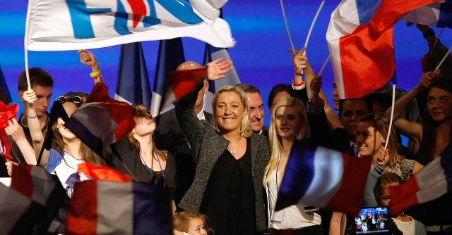 """Francia, ex militante racconta il Front National: """"Svastiche e battute omofobiche"""""""