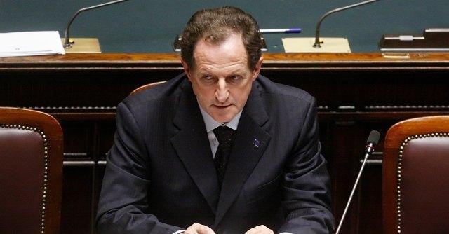 """Pdl, Assessore lombardo in Israele insiste su Berlusconi """"perseguitato come gli ebrei"""""""