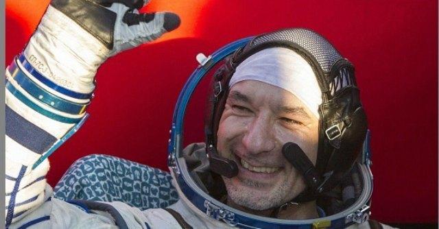 Parmitano è tornato sulla Terra: è stato il primo italiano a camminare nello spazio