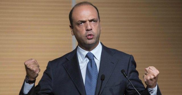 """Pdl, Alfano: """"Forza Italia? No a estremisti. Candidato premier con le primarie"""""""
