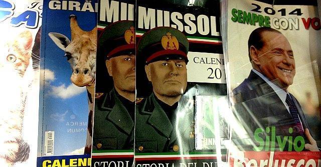 In edicola 'Sempre con voi', il calendario di Berlusconi. Tra Mussolini e Padre Pio