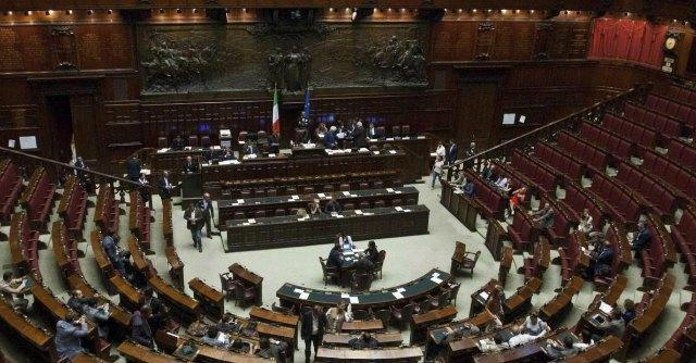 """Legge elettorale, la Camera vuole la riforma. Ncd: """"No, reagiremo"""""""