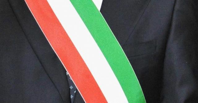 """Petrosino, rubata la fascia tricolore in municipio: """"Intimidazione al sindaco"""""""